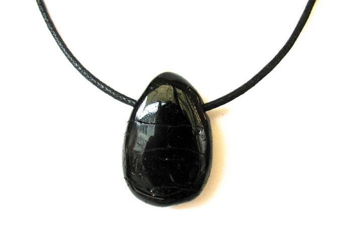 Pendentif en Tourmaline noire - Pierre réputée pour absorber les ondes électro-magnétiques