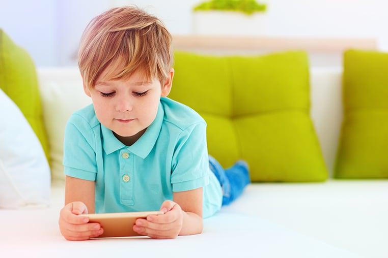 Ondes électromagnétiques : quels dangers pour nos enfants ?